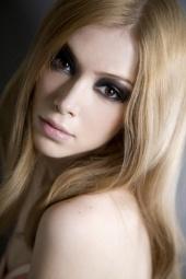 Julianna She