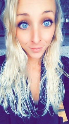 Nicole Shari