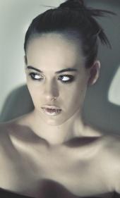 Nezi Nikolova Make up