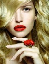 CC  Makeup Artist