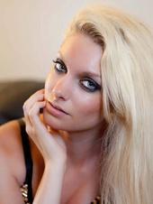 Amanda -- Model