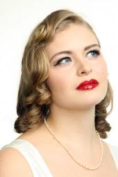 Anna Elektra Makeup