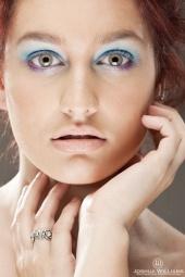 Bonniee -makeup artist