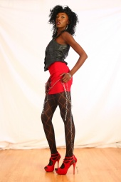 Tenesha Dennis-Model