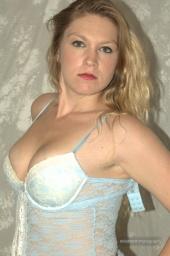 Sarah L Snow