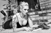 Scarlett Blonde