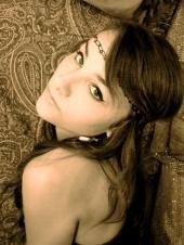 Mandy Raee