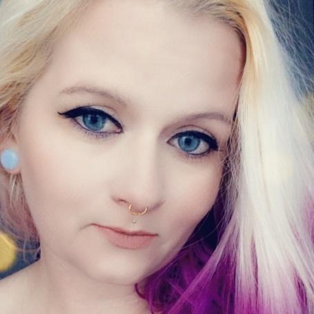 Bella Vanity