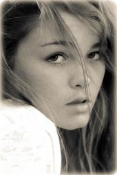 Kayla Lynn R