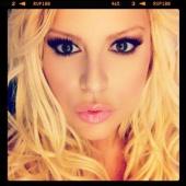 Glamour Girl Make-up