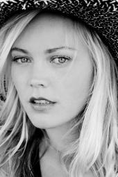 Ashley L Ellis