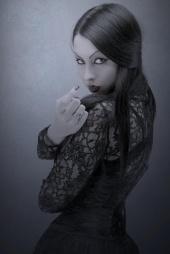 xLyna von Kurtenx