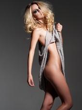 Samantha Autum model