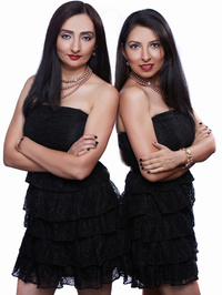 Chic Sisters