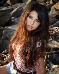 Melania L Velasquez