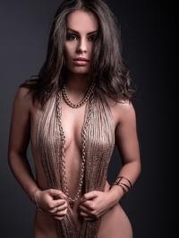 Makeup artist Jolie