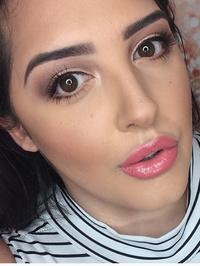 Makeup_with_lara