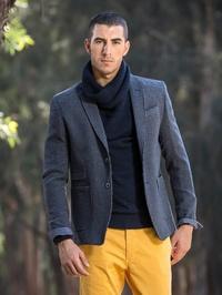 Manuel Adriano