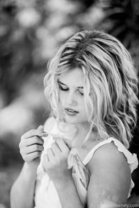 Lauren Tierney