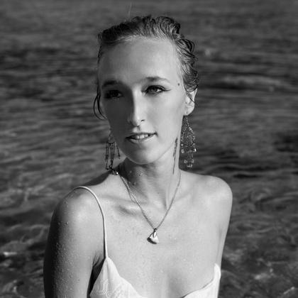 Hannah Vela