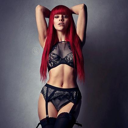 Holly Stone Model