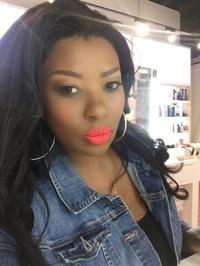 Queen the Makeup Artist