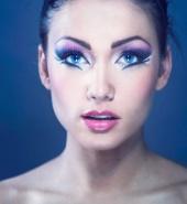 Sapphira makeup