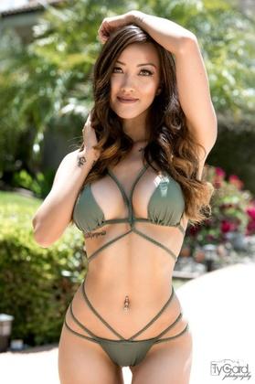 Julie T Nguyen