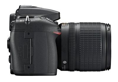 Nikon D7100 side