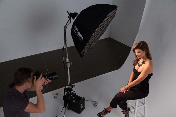 how to create hard light photography