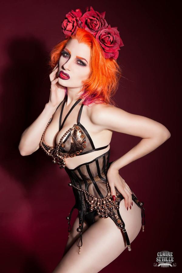 Glamour adult model portfolio