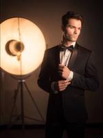 5 Posing Tips for Male Models
