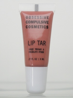 Working hygienically with lip gloss