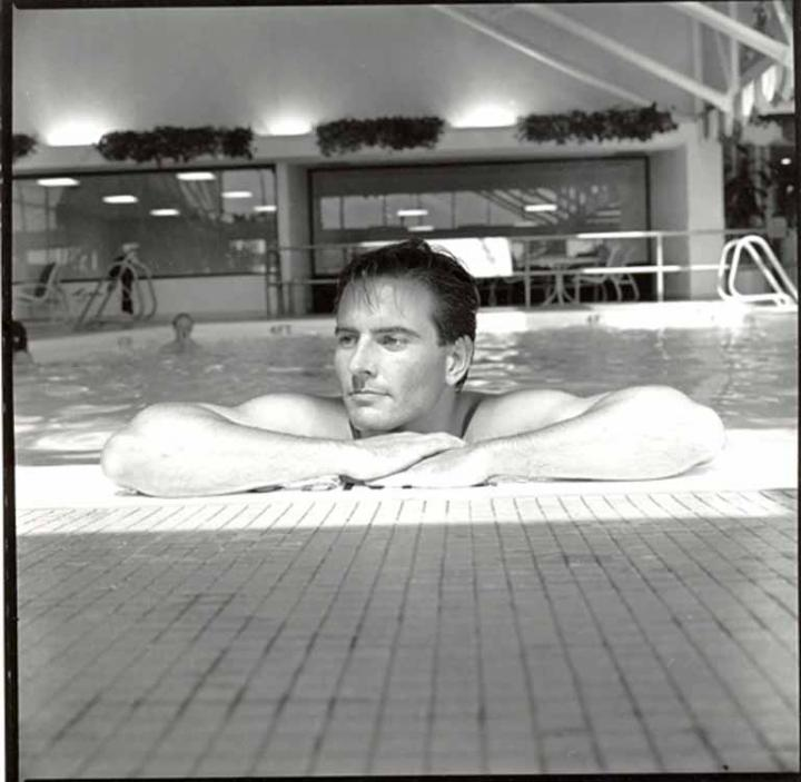 Apr 12, 2005 1984 Gordon Alexander Man In Pool
