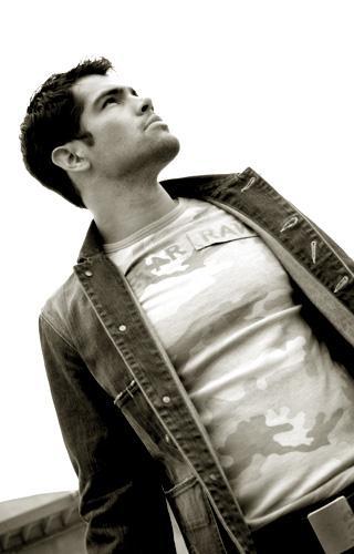 Male model photo shoot of Anthony Peraza