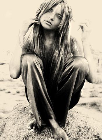 in the middle of the Damn Desert :-) Jul 31, 2005 Derek Caballero MUA Lindsey Hair Lindsey Magic: Derek