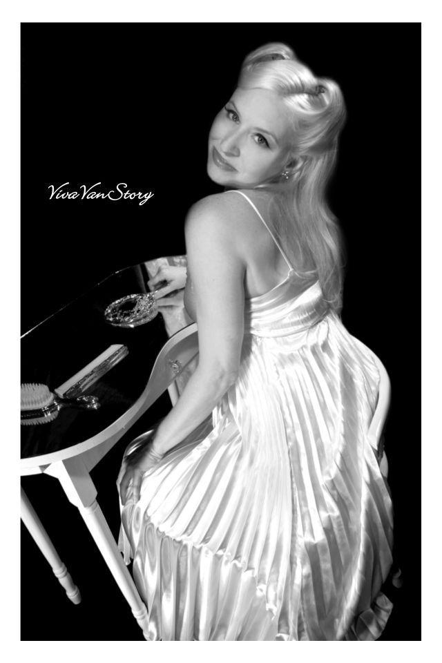 Jersey Aug 03, 2005 Viva Van Story