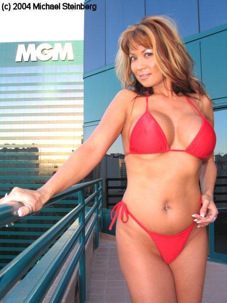 Las Vegas Aug 18, 2005 2004 Michael Steinberg Laeiana