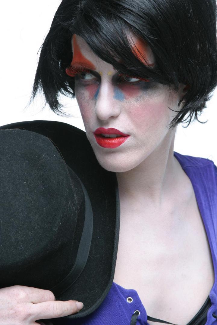 Oct 04, 2005 Makeup by: Ruben Davila