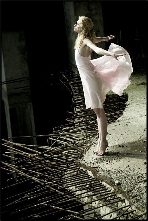 deserted building Oct 06, 2005 Pavel Krukov free as a bird