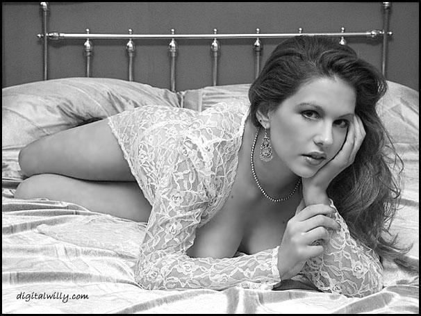 NJ Oct 15, 2005 copyright(2005)SeregonODassey&DigitalWilly Bl & white glamour from Digital Willy