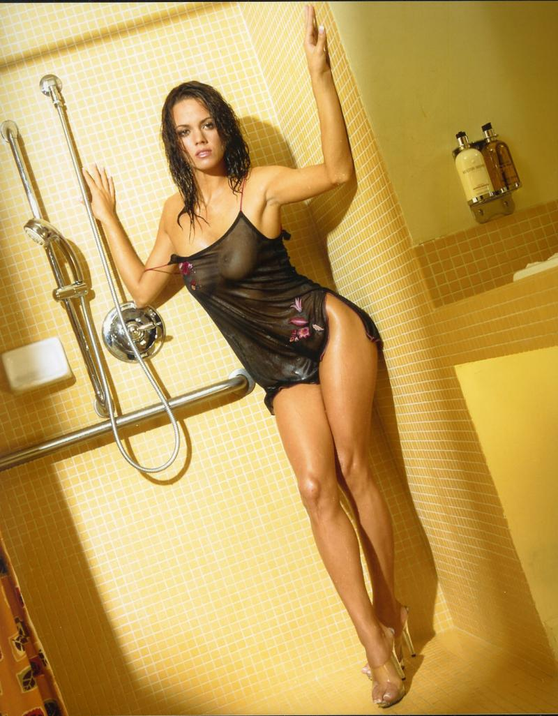 Oct 24, 2005 Antonio Ramon Shower Time