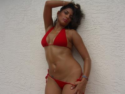 Female model photo shoot of Veronica Adames in Miami, FL