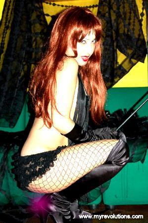 italy Nov 17, 2005 www.myrevolutions.com rubberstar fetish pin up fetish