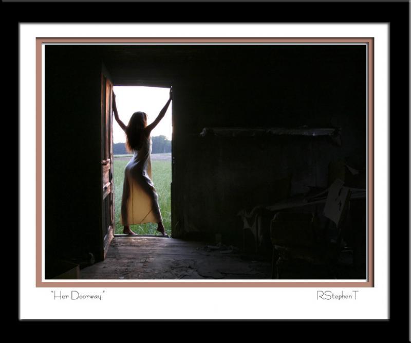 Nov 27, 2005 RStephenT Her Doorway