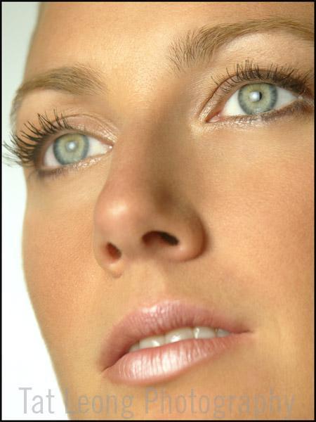 NYC Dec 02, 2005 Tat Leong Green eye girl