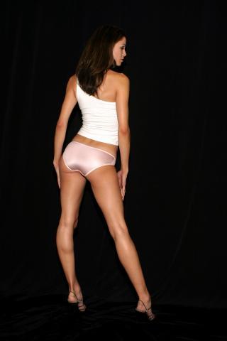 Orlando, FL Dec 02, 2005 ACertainLook Colleen in Pink