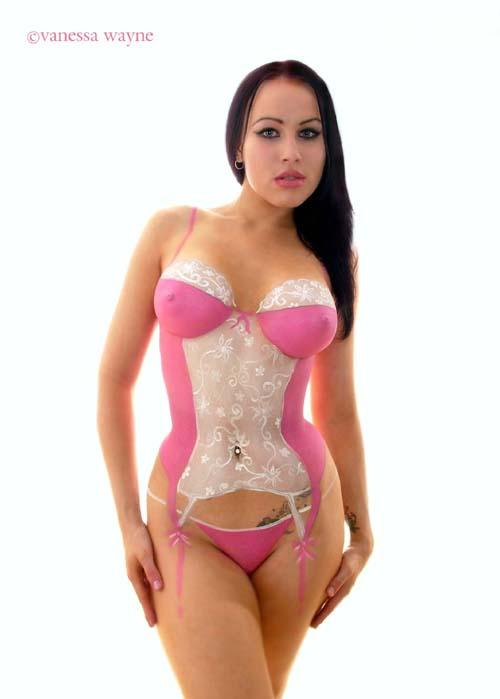 London Dec 04, 2005 Vanessa Wayne Model Kataxenna in bodypaint
