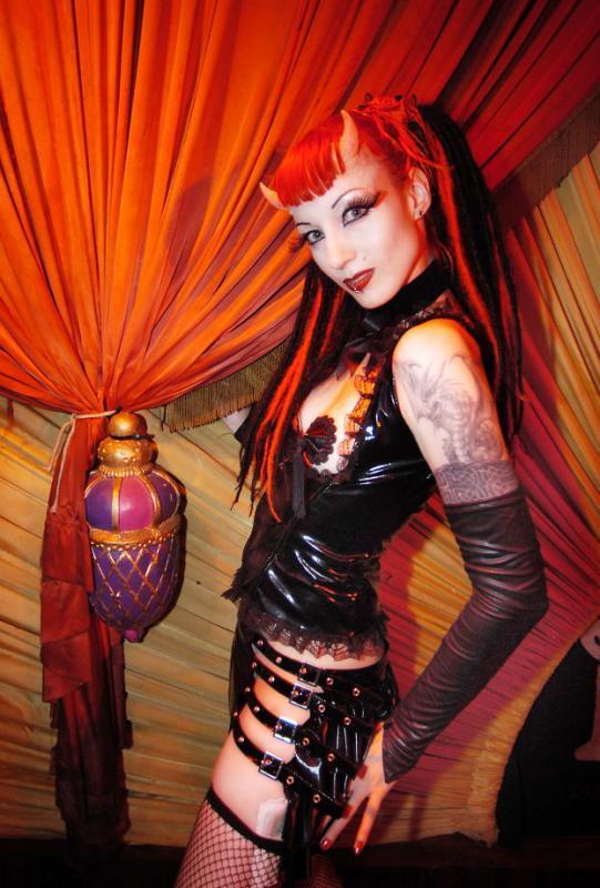 amsterdam boudoir-bizarre Dec 13, 2005 lex hulscher