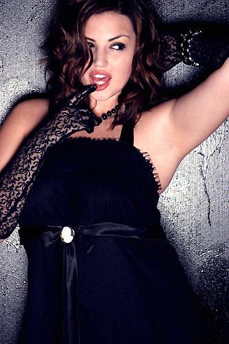 Dec 16, 2005 © Michael Anthony Hermogeno Plus Model Katie